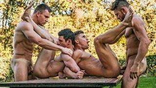 Suruba entre homens – machos gostosos fazendo suruba