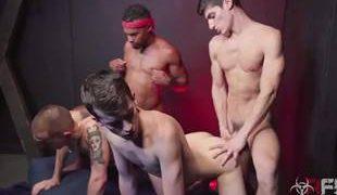Porno grupal gay com héteros deliciosos