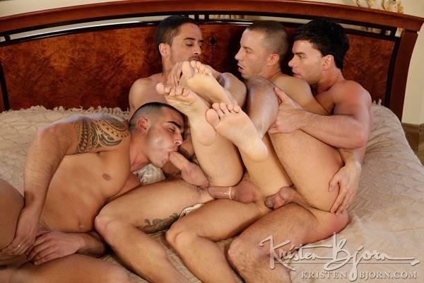 homens fazendo sexo
